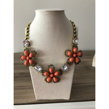 Orange flowers and pearls...